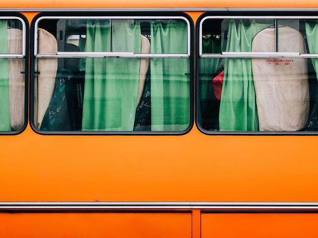 bus-893204_640