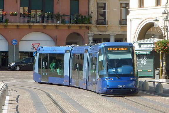 Padova_tram_translohr