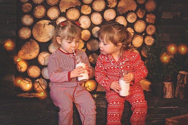 christmas-kids-1073567_640