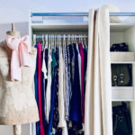 Minimalismo nell'armadio con un esempio pratico