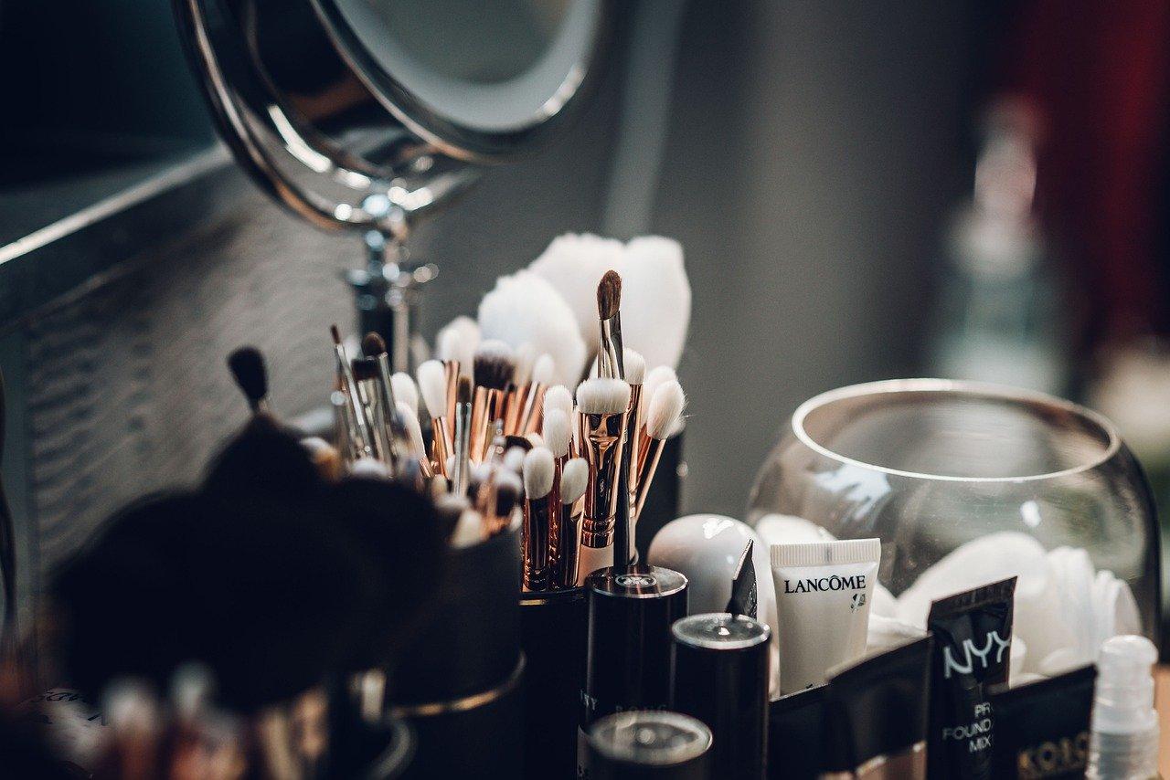 comprare meno cosmetici